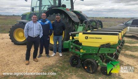 Agrícola Noroeste entrega John Deere EMBRADORA MONOGRANO 1705 a HNOS BUENO