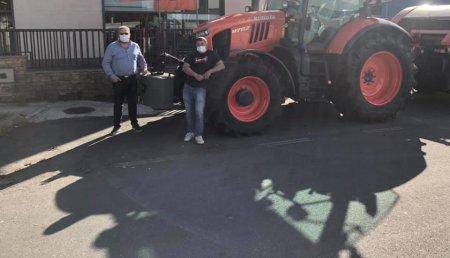 Tecnor Lalin Maquinaria entrega kubota M7152 en Forcarei a Rafael.