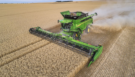 John Deere alcanza una nueva dimensión en productividad y eficiencia de la cosecha con su nueva Cosechadora X9 y plataforma draper