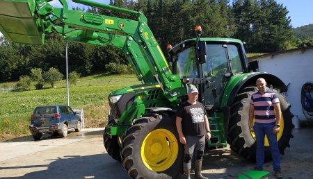 Agrícola Noroeste entrega John Deere  6120M CON PALA 623R a GANADERIA CARRIZO NARAVAL SC
