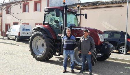 Talleres Argasa entrega  McCormick  X6.440 Vt-drive Red metalic a Ruben Alvarez Barragan