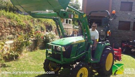 Agrícola Noroeste entrega John Deere 3038E a Juan