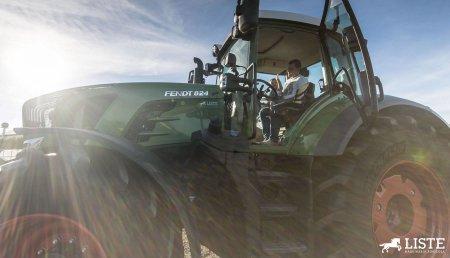 Maquinaria Agrícola Liste entrega el tractor Fendt 824 Vario a IVAN S.C. (Iván Barreiro) en Cerceda, A Coruña.