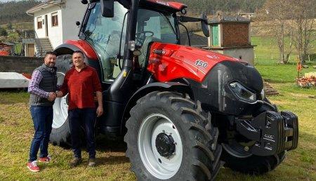 Agricola Calvo  entrega CASE IH Maxxum 150  PREMIUM a Remedios Otero Lopez en Vilamor (Mondoñedo)