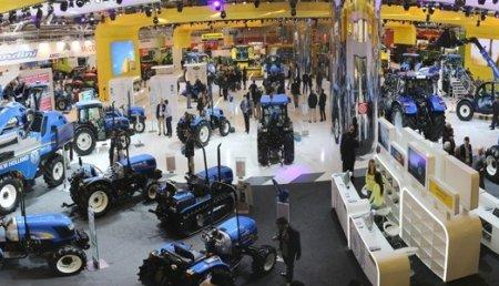 NEW HOLLAND BRILLA 3 VECES EN EL 50 ANIVERSARIO DE FIMA