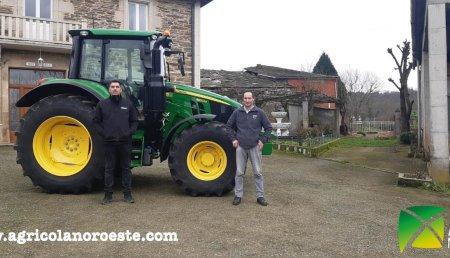 Agrícola Noroeste entrega John Deere  6120M + Pala cargadora 603M a Jose López