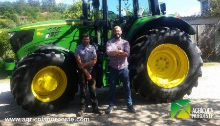 Agrícola Noroeste entrega John Deere 6155M a Jose Luis