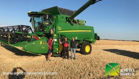 Agrícola Noroeste  entrega COSECHADORA John Deere SERIE T - T 660I