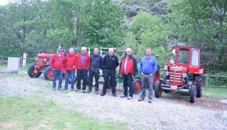 7 Alemanes llegan en Tractor de Epoca a Santiago de Compostela