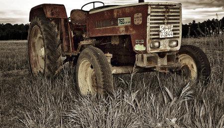 EL IMPULSO A LA MECANIZACIÓN AGRÍCOLA QUE NO LLEGA