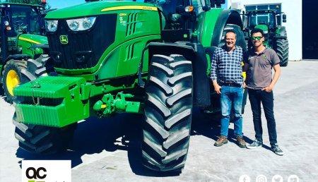 Agrícola Castellana  Entrega John Deere 6195M a Juan Carlos Valdiviero Pérez de Villabragima (Valladolid)