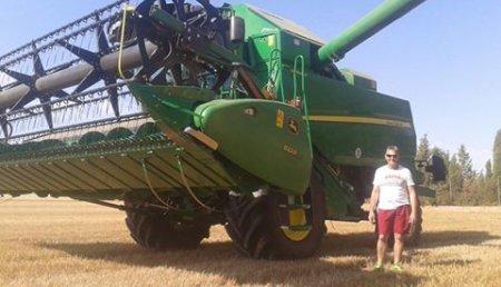 Agricola Castellanca entrega de cosechadora T550 HMi con corte de 6,70 metros a Alberto Merino, de Cebrecos (Burgos)