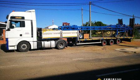 Comercial Agrosahagún entrega de dos hileradores de la marca Doblas, uno en Villada y otro en Escobar de Campos (León)