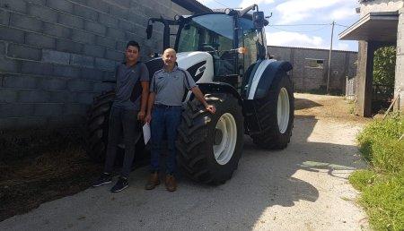 Millares Torron entrega aJose Manuel Fernandez Goyanes de Monseiro,Lancara, VALTRA A 134