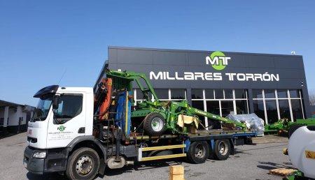 Millares Torron Entrega  Krone Ec 3210 cv con agrupador de hileras en Francos a Madarro