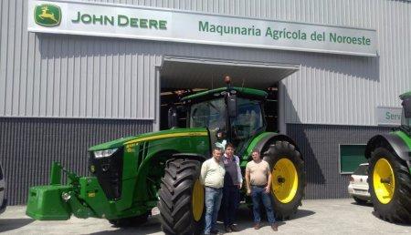 Agrícola Noroeste entrega a Transformaciones Agrarias Montero y Diaz S.C. de O Paramo Lugo, John Deere 8320R