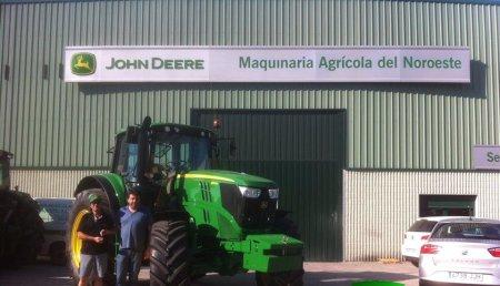 Agricola Noroeste entrega John Deere 6195M a Servicios Agricolas Caseiro