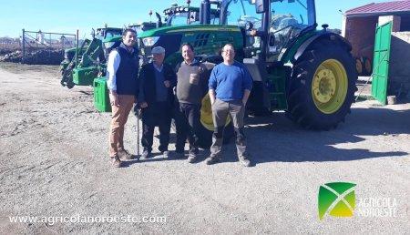 Agrícola Noroeste Entrega john Deere  6155R a la Finca La Veguilla en Alba de Tormes