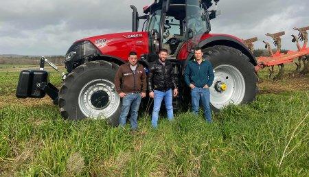 Agricola Calvo  entrega CASE IH OPTUM 300CVX a servicios agrícolas BATAN SOÑAR S.L