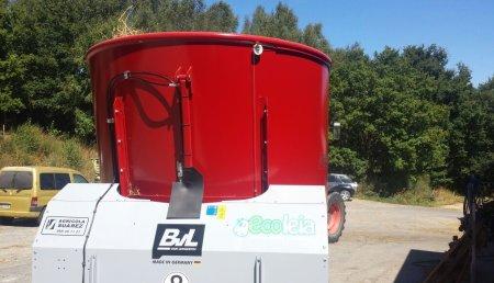 Agricola Suarez entrega un carro Mezclador BVL a la granja Ecoleia