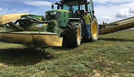 Farming Agrícola entrega  Segadora Krone B870 a Hermanos García Vargas