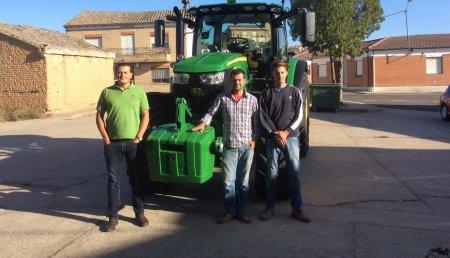 Comercial Agrícola Castellana SL Entrega JOHN DEERE 6155R a Gabriel Hervada, de Torrecilla de la Abadesa (Valladolid)