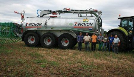 Doval Maquinaria entrega una cisterna Pichon