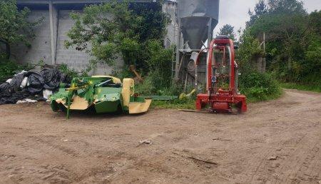 Millares Torron entrega a Servicios Agricolas Garcia de Vilacha de mera segadora frontal Krone F 320cv y encintadora de dos bobinas ALZ
