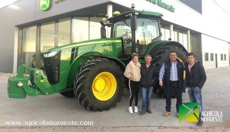 Agrícola Noroeste entrega John Deere 8245R  a Luis Jose Herrero