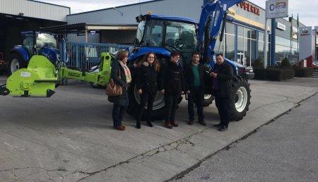 Coberma entrega al Ayuntamiento de Camponaraya Tractor New Holland T4.95!!!