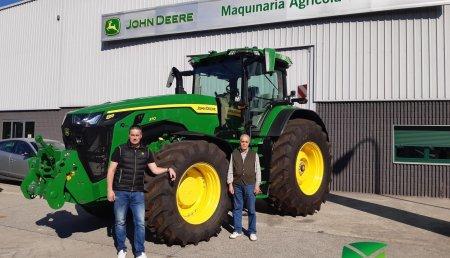 Agrícola Noroeste entrega 8370R a Casa Remalleira SC