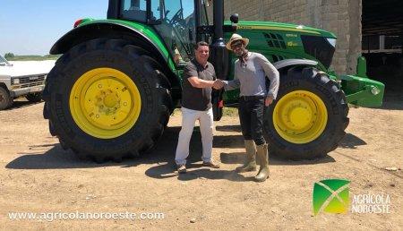 Agricola Noroeste entrega a Segis y David, John Deere 6155M