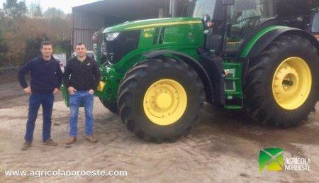 Agrícola Noroeste entrega John Deere 6250R a Servicios Agricolas Ivan
