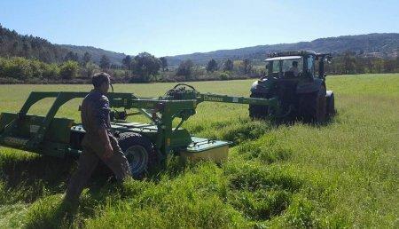 Agricola Suarez entrega Segadora Arrastrada con Acondicionador + Cinta de transporte y lanza central Krone