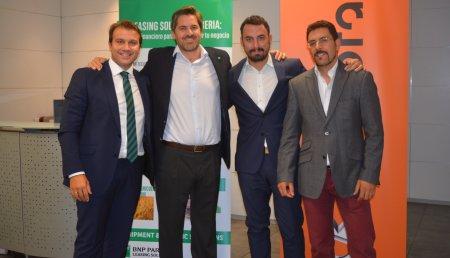 Kubota España y BNP Paribas Leasing Solutions llegan a un acuerdo para sacar el primer programa de renting con mantenimiento.