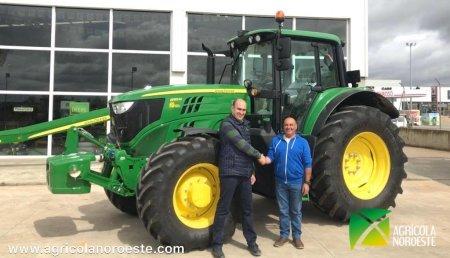 Agrícola Noroeste entrega John Deere 6155M a Jose Alberto