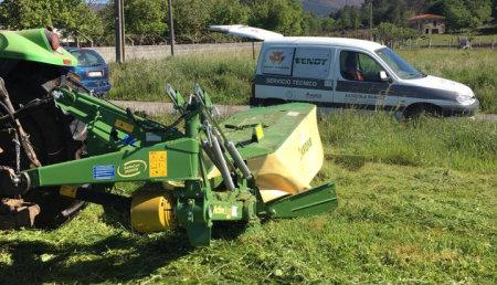 Agricola Suarez entrega una segadora KRONE Active Mow R280.