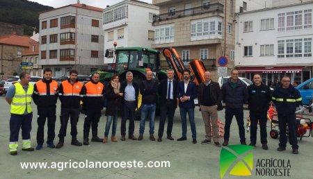 Agricola Noroeste Entrega  En la localidad Gallega de Porto do Son en Coruña se ha realizar la entrega de un tractor 6M-6130M con una desbrozadora de brazo de la marca Orsi