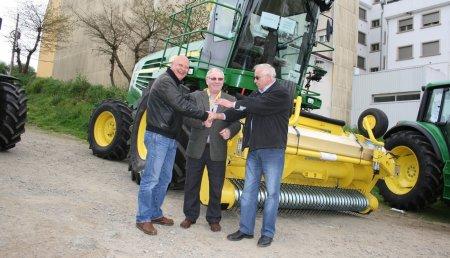 MAGRINO entrega una picadora John Deere a Trabajos Agricolas Liñeira en ExpOrdes