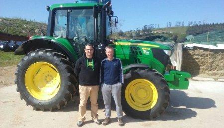 Agricola Castellana entrega a la Ganadería Joblegón SC, de Quijas (Cantabria),  JOHN DEERE 6130M SuperStar