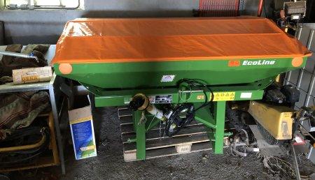 Millares Torron entrega abonadora amozone en carlin friol a carlos