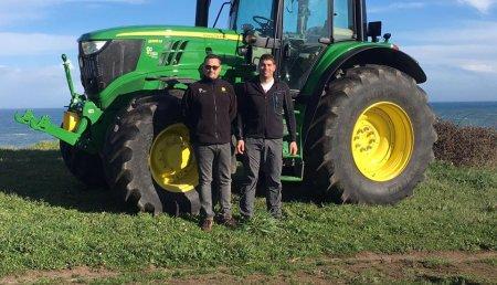 Agricola Castellana entrega  JOHN DEERE 6195M SuperStar a la SAT El Pelambre de Langre (Cantabria)