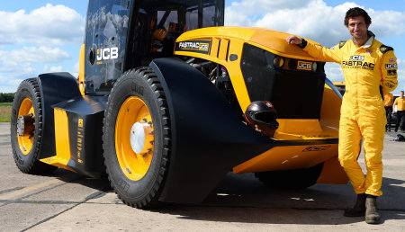 El tractor FASTRAC de JCB consigue un nuevo récord de velocidad en Reino Unido