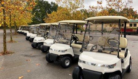 El campo de IZKI Golf, de Álava, renueva su flota de vehículos con quince coches eléctricos