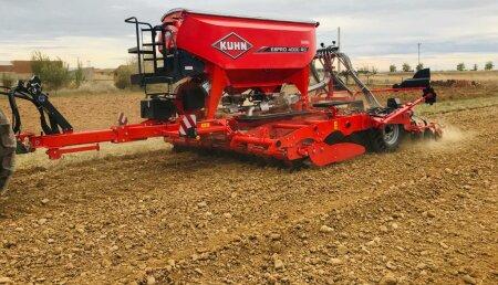Ahorrar combustible en la siembra sin perder potencia es posible gracias a la Espro de Kuhn
