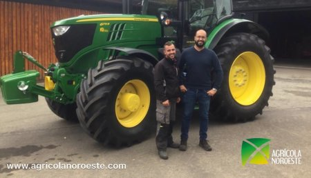 Agrícola Noroeste Entrega John Deere 6175R Ultimate a Cabanelas  - Toques(A Coruña)