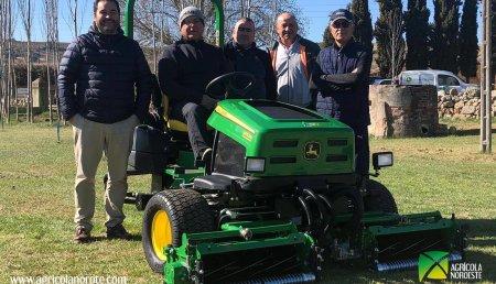 Agrícola Noroeste Entrega john Deere  tripleta de Golf para el nuevo campo de golf de Zamora