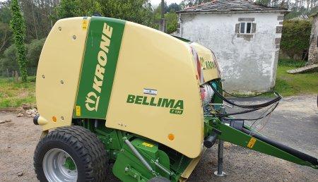 Millares Torron entrega tres maquinas a Irene Fernandez de Riobarba. O Vicedo