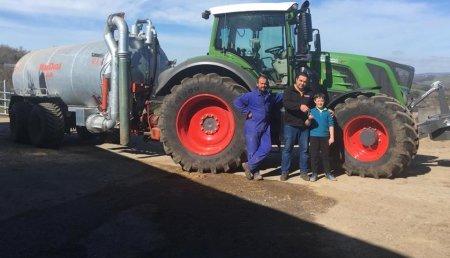 Maxideza entrega a Gonzalez Sc de Samos (Lugo), tractor FENDT modelo 826,