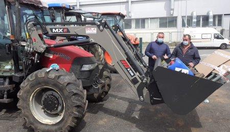 Tecnor Lalin Maquinaria entrega Mx A106  a Julio de Melide en Rodeiro